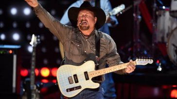 You Can Get the Best Seats to Garth Brooks